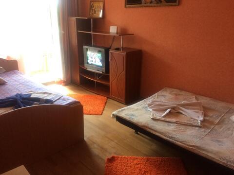 Прекрасная двушка в центре Дзержинска, Квартиры посуточно в Дзержинске, ID объекта - 319693165 - Фото 1