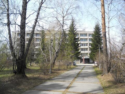 Продажа гостиницы 7008 м2 на земельном участке 5,67 га в Новосибирске - Фото 3