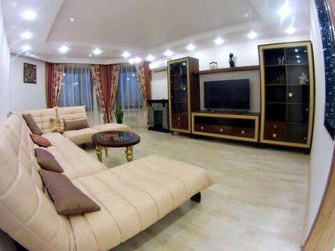 Сдается трехкомнатная квартира с хорошим ремонтом в Центре - Фото 1