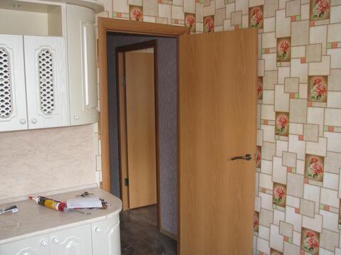 Продается 3-комнатная квартира на 1-м этаже в 3-этажном монолитно-кирп - Фото 3
