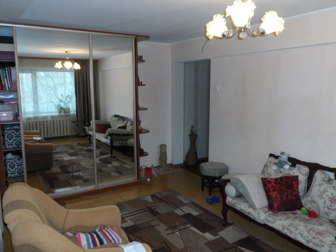 Срочно продам 3 комнатную квартиру недорого, торг - Фото 1