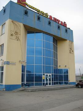 Здание бывшего мебельного магазина, 2258,8 кв.м. - Фото 1