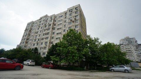 Купить квартиру в Новороссийске с ремонтом и мебелью, Южный район, - Фото 1