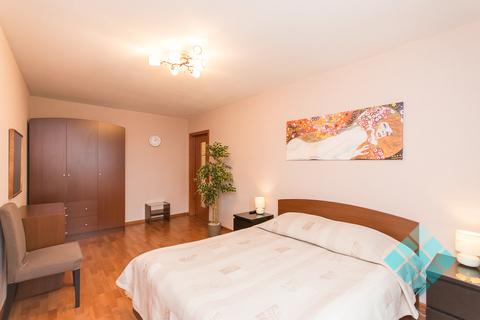 Просторная 2-комнатная посуточно в новом доме на ул.Невзоровых, 47 - Фото 3