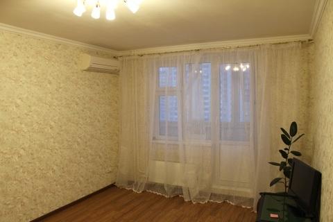 Продается Двухкомн. кв. г.Москва, Нарвская ул, 1ак1 - Фото 1
