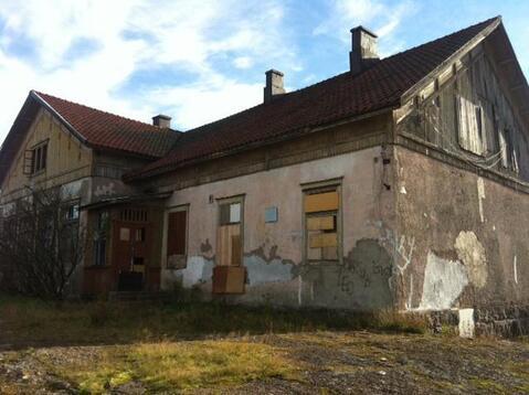 Выборг, Школьный проезд, 70 соток, здание бывшей школы. - Фото 2