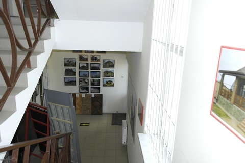 Администротивное здание 700 м2 - Фото 2