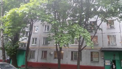 Продам комнату в трехкомнатной квартире в Бирюлево - Фото 1