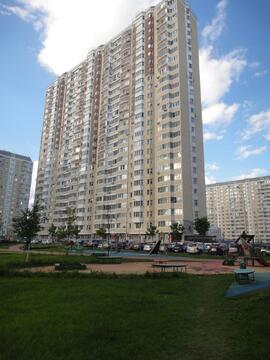 Продается 3-комнатная квартира ул. Нарвская, д.1а, к.4 - Фото 1
