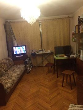 Однушку рядом с м.Каховка на Азовской ул. в блочной 9-ти этажке - Фото 1