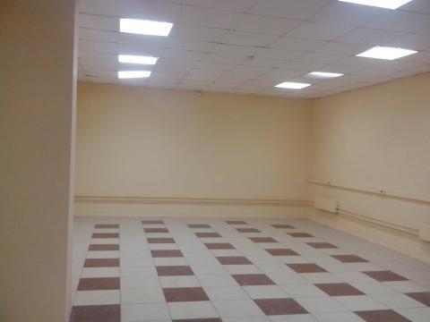 Помещение на первом этаже торгового центра на первой линии - Фото 4