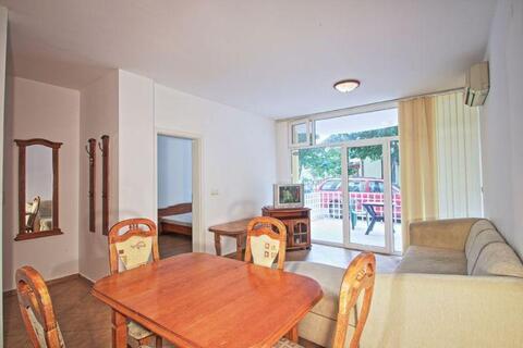 Двухкомнатную квартиру в центральной части курорта Солнечный Берег - Фото 1