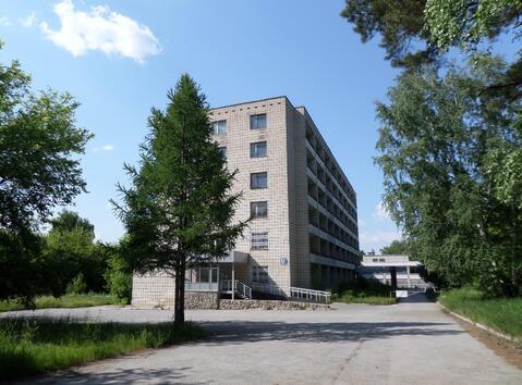 Продажа гостиницы 7008 м2 на земельном участке 5,67 га в Новосибирске - Фото 2