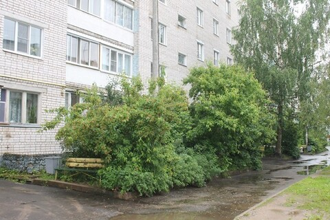 Продаю 1-а комнатную квартиру в г. Кимры, ул. Челюскинцев, д. 18 - Фото 1