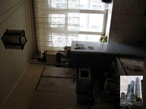 Продается изолированная комната в коммунальной квартире - Фото 1