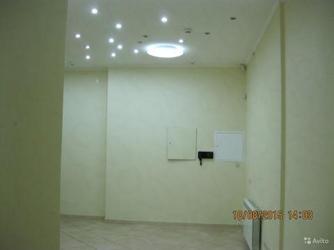 Помещение на первом этаже жилого дома с отдельным входом, 139 кв.м, 50 - Фото 1