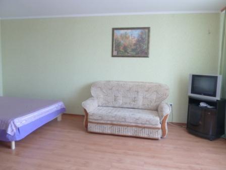 1 комнатная кв-ра с нишей г.Ильичевск, на первой линии домов до моря - Фото 1