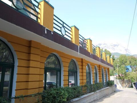 Продается двухуровневый апартамент с ремонтом в Алупке - Фото 1