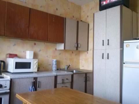 Двух комнатная квартира в Рудничном районе (Кедровка) города Кемерово, Купить квартиру в Кемерово по недорогой цене, ID объекта - 320719506 - Фото 1