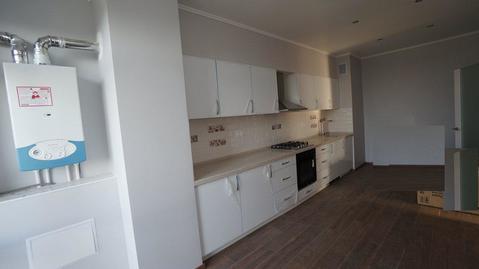 Купить двухкомнатную квартиру с ремонтом, автономное отопление, центр. - Фото 1