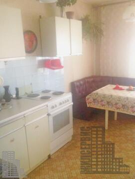 Двухкомнатная квартира у метро Ясенево (второй дом от станции метро), Аренда квартир в Москве, ID объекта - 316344193 - Фото 1