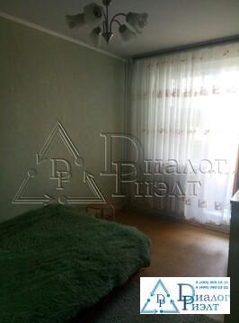 Продается комната в трехкомнатной коммунальной квартире - Фото 1