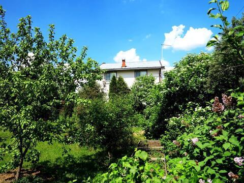 Кирпичный жилой дом 140 кв.м. на ухоженном, зеленом участке 15 соток. - Фото 4