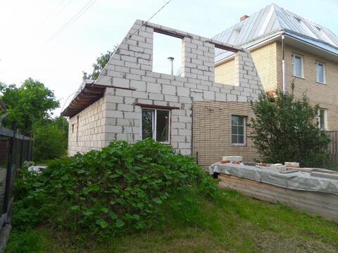 Недосроенный дом с участком со всеми коммуникациями - Фото 1