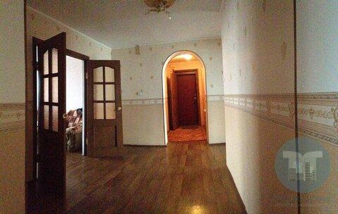Продается просторная трехкомнатная квартира в центре города. - Фото 1