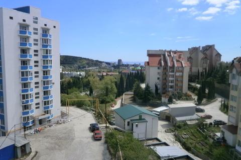 Однокомнатная квартира в Алуште ул. Б. Хмельницкого. - Фото 1