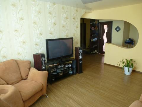 Опрятная квартира посуточно в Яровом. - Фото 1
