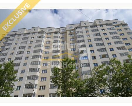 Екатеринбург, ул. Таежная, д. 4 (Трешка 3 этаж ) - Фото 1