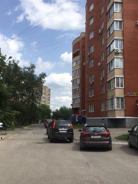 Однокомнатная квартира в городе Чехов, ул. Чехова 2а - Фото 1