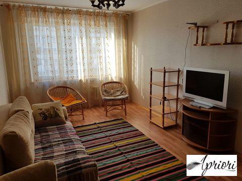 Сдается 2 комнатная квартира пос. Свердловский ул. Набережная, д.15 - Фото 1