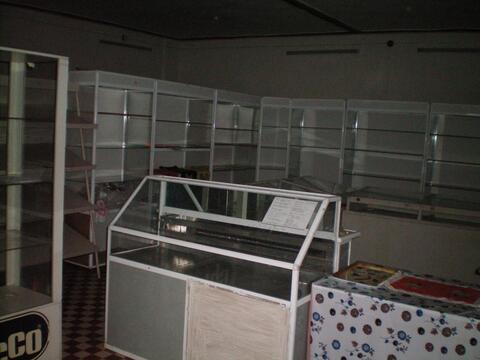 Здание (бывший сельмаг) в с.Буланово Октябрьского района. - Фото 2