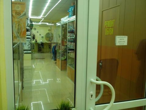Торговое помещение свободной планировки с отделкой, первая линия - Фото 2