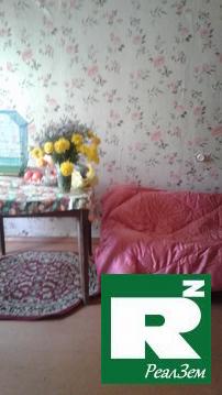 Продается двухкомнатная квартира в городе Малоярославец - Фото 1