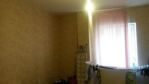 Продается отличная двухкомнатная квартира. Этаж третий. 64/35/12 - Фото 4