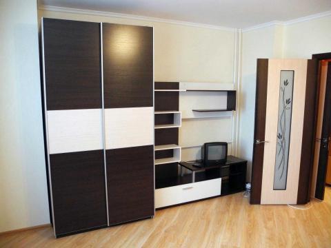 1-комнатная новая квартира в центре города в р-не Стройакадемии. - Фото 2
