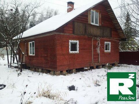Продается двухэтажная дача 45кв.м.с выходом в лес в ст Электроника, Ка - Фото 1
