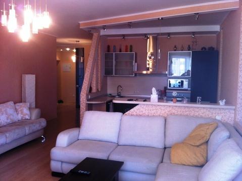 Трехкомнатная квартира в ЖК Парковый, ул. Рихарда Зорге дом 66 - Фото 1