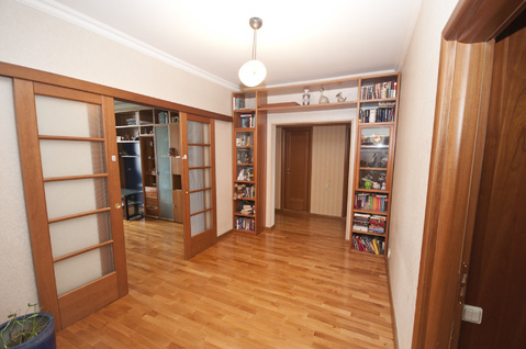 Квартира на Староватутинском проезде, дом 17 - Фото 1