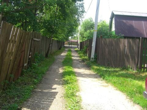 Земельный участок с летним домом в пределах Москвы - Фото 1