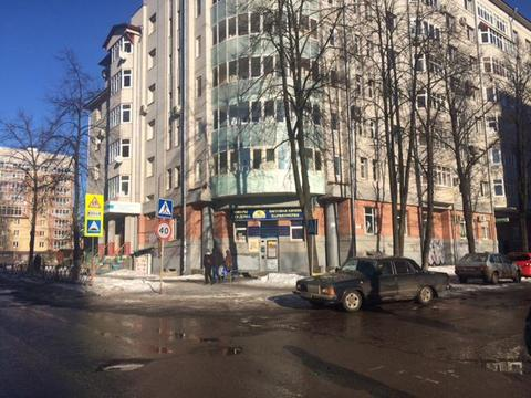 Нежилое на перекрестке дорог, 1 этаж отдельный вход, центр - Фото 1