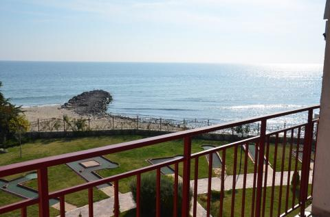 Трехкомнатная квартира у моря в Болгарии - Фото 1