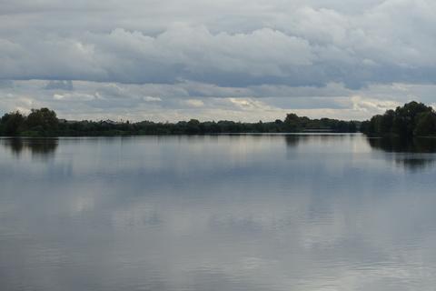 Участок у леса и озера - Фото 2