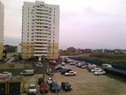 Двухкомнатная квартира с ремонтом в 16 мкр. Новороссийска - Фото 1