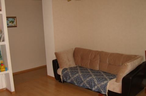Сдам квартиру, евродвушка (кухня-гостиная+спальня). Хороший ремонт. . - Фото 1