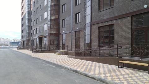Угловое помещение 56 кв.м. на 1-ом этаже в ЖК «Династия» - Фото 2