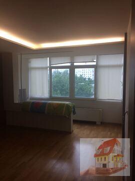 3 комнатная квартира с ремонтом и мебелью на Набережной в монолите - Фото 1